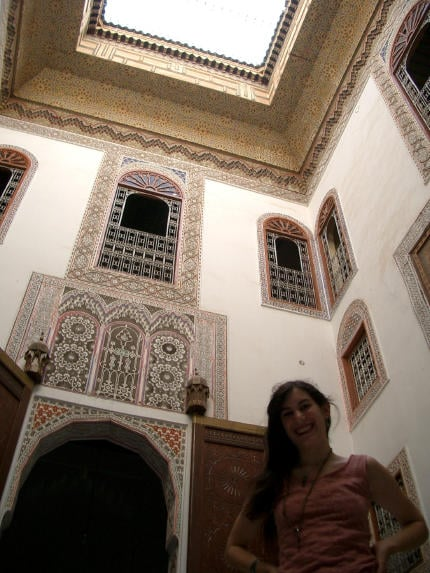 0300_Miriam_in_her_house_in_Fes_sm28