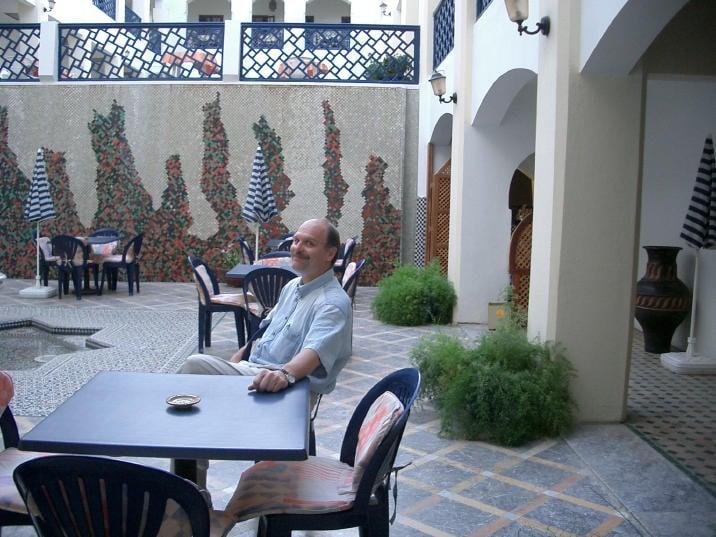 0350_steve_in_courtyard