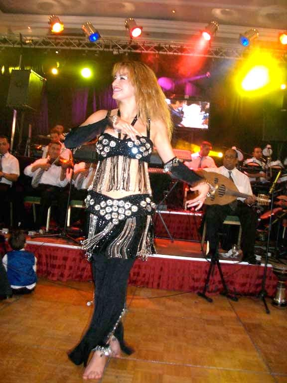 Wedding belly dancer
